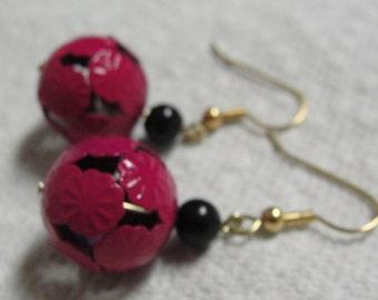 Pink and Black Beaded Dangle Pierced Earrings