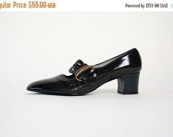 ON SALE Vintage 1960s Mod Heels - Chain Link Buckle Mary Janes - Size 7 1/2  7.5 Narrow