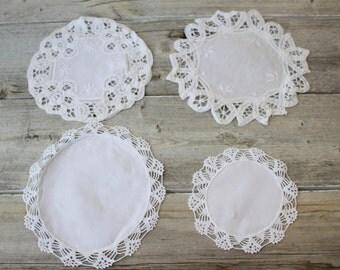 Vintage White Crochet Doilies, Four round Wedding Table Doillies, Doilies Dresser Scarf,Vintage Lace Doilies, hite Doillies,Tea Party Linens