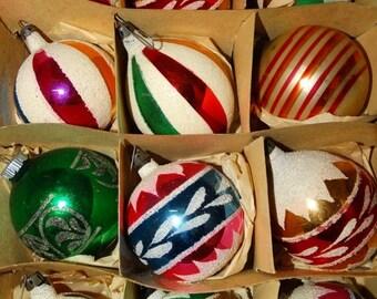Vintage 1950's Christmas Bulbs, Pretty Pink, Glass Bulbs 12 retro 50's X-Mas Holiday Santa Land Glitter Christmas Tree Decorations, Antique