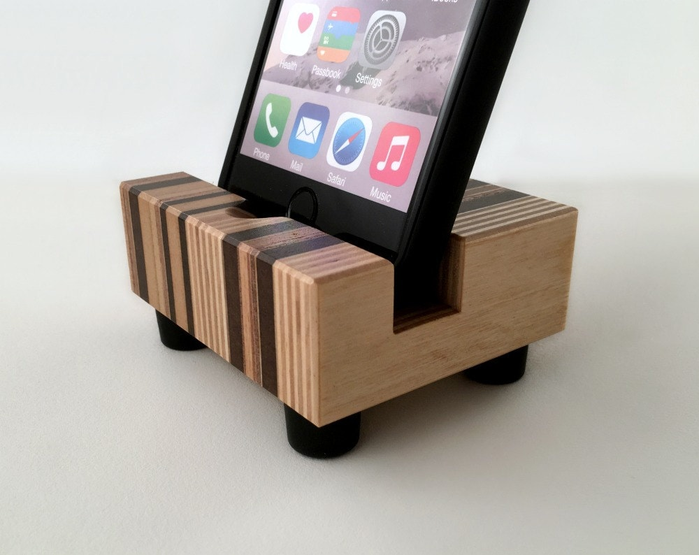 wood iphone dock charging stand modern recycled wood. Black Bedroom Furniture Sets. Home Design Ideas