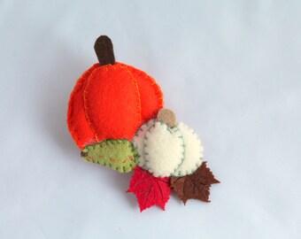 Felt Pin Jack O lantern or Pumpkins, Felt Halloween Brooch