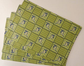 PLACEMAT SET - 12 Pieces - HANDMADE - Lime Green Geometric Square w/Flower Bunch - TLS946001