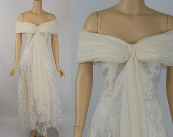 SALE Vintage Wedding Gown Ivory Lace and Chiffon by Jessica McClintock Sz 7/8