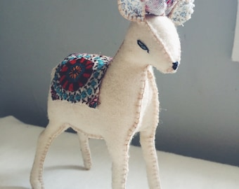 folk art deer