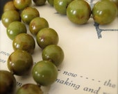 Vintage Olive Green Bakelite Necklace graduated knotted 31 inches long