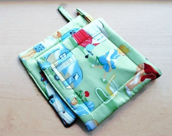 Handmade Quilted Pot Holders set of 2 Campers MidCentury Modern Travel Trailers Michael Miller Green