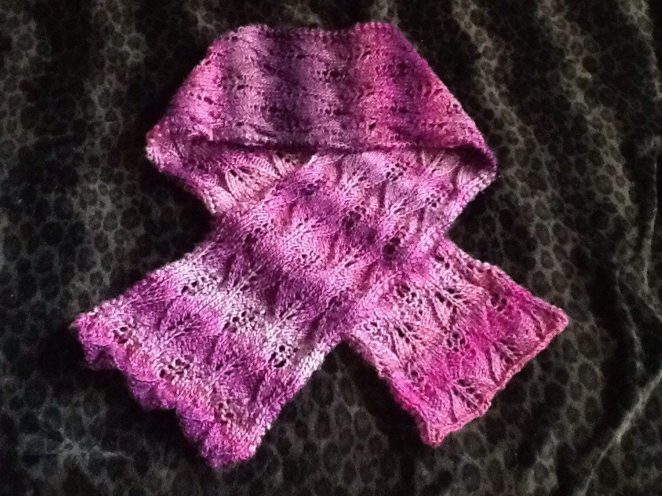 Reversible Leaf Knitting Pattern : Knitting PATTERN Reversible Lace Leaf SCARF from ...