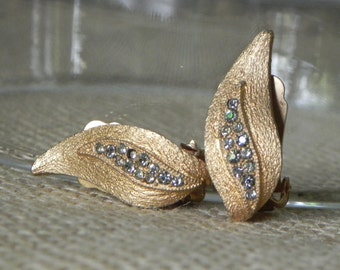 Vintage earrings Eisenberg brushed gold with rhinestones bridal jewelry clip on