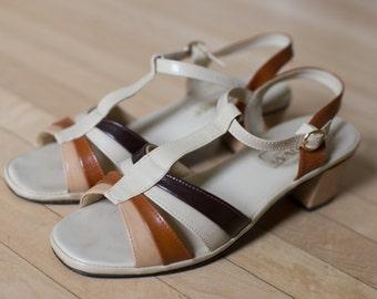 Vintage 70s Montgomery Ward Neutral Colors Brown T Strap VEGAN sandals - Size 8