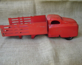 Vintage Pressed Steel Toy Truck Marx Wyandotte Structo 1950s Red Metal Toy Delivery Truck With Stake Bed
