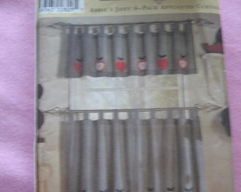 Simplicity Home Pattern 8695 Abbies  Jiffy 6 pack Appliqed Curtains