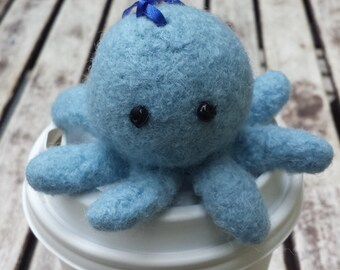 Powder blue octopod on hanging loop