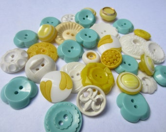 Vintage Buttons - Cottage chic mix of aqua/turquoise, yellow and white lot of 32 old and sweet(oct 125)