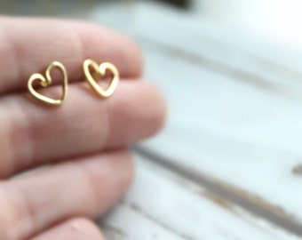 SALE. FREE SHIPPING. Gold or Silver Plated Heart Earrings. Post Stud Earrings.