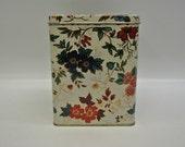 Pretty cube tea tin by Daher