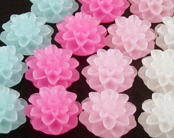 Cabochon Flower 8 Frosted Resin Dahlia Flower CHOICE Blue Pink Fuchsia White Purple Round 15mm (1011cab15m11)