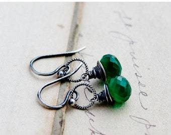 ON SALE Green Onyx Earrings, Drop Earrings, Emerald Green, Wire Wrapped, Sterling Silver, Dangle Earrings, Kelly Green, PoleStar, Halloween
