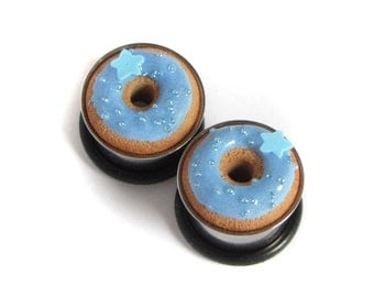 "9/16"" Donut Eyelets - Baby Blue Stars - Realistic Miniature Food Plugs"