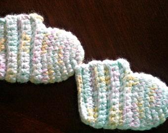 Crochet Baby Cozy Booties , slippers , newborn , infant , boots ,