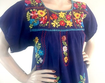Vintage 1980s Cotton Mexican Flower Embroidered Shift Dress