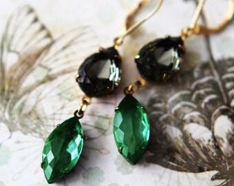 Black Diamond and Peridot Crystal Earrings  Evening Dangles  Gold Brass  Spring Wedding, Bridal  Vintage  Gift Box