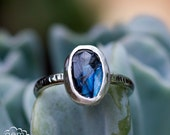 oO S E C O N D Oo  Sterling silver and Rose Cut Labradorite rustic ring - Carrack -