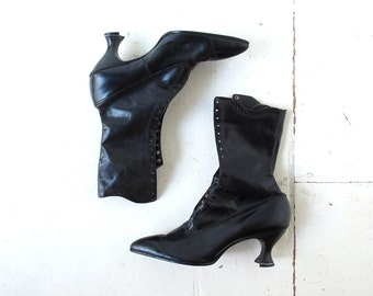 Vintage Lace Up Boots / Edwardian Boots / Black Leather Boots / Size 8