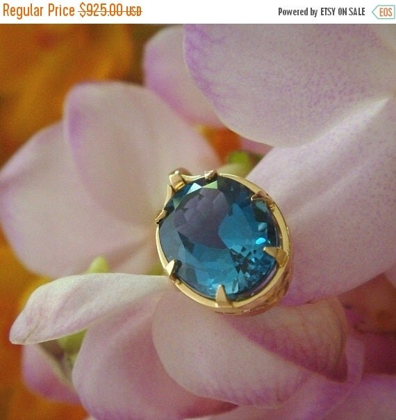 Summer Sale Regina Pendant in 18k Yellow Gold with London Blue Topaz, Ready to Ship
