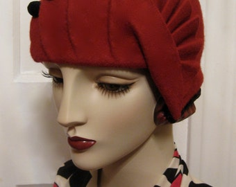 1920's Pleated Cloche with Fan Detail