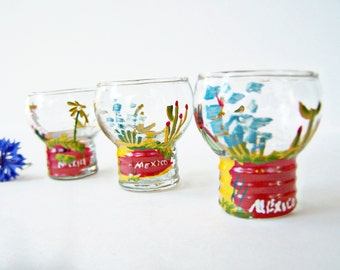 Vintage Set of Three ( 3 ) Shotglasses Hand painted Rare Mexico Souvenir Bowl Top Stackable 1 oz Shot Glasses 1950 Travel , NOT FOR USE