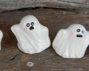 Ceramic Ghosts set of 4   terrarium miniature glazed Pottery . Spooky Boo family Halloween decor safe Outside
