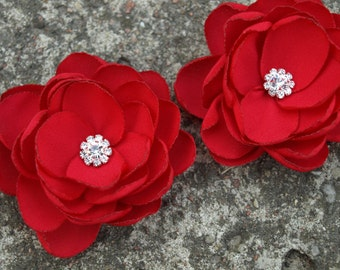 Bright Red Flower Brooches Bobby Pins Shoe Clips Set of 2