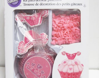Wilton Princess Cupcake Decorating Kit, Decorates 24 Cupcakes