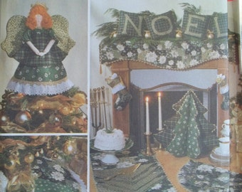 Christmas Craft Sewing Pattern Simplicity 7846 Mantel Scarf, Tree Skirt, Stocking, Stuffed Tree, Table Runner, Pillow, Silverware Caddy