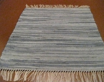 Handwoven Denim Rag Rug (M) 25 x 32