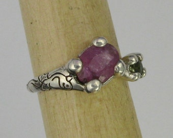 Adjustable silver and sapphire ring, pink and green, with hand drawn dragon DTPD PMC