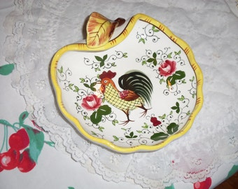 Vintage Rooster and  Roses Serving Dish Leaf  Cottage Rose  py ECS ex