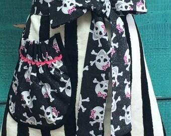 Towel Apron - Hostess Apron - Halloween -Skull and Crossbones - Black & White