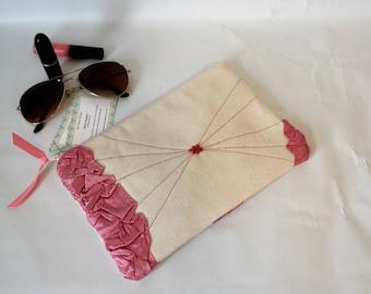 Zipper Clutch, Zipper Pouch, Pink Cream Canvas Zipper Clutch, Zipper Purse, Zipper Handbag, Casual Purse, Ipad Case