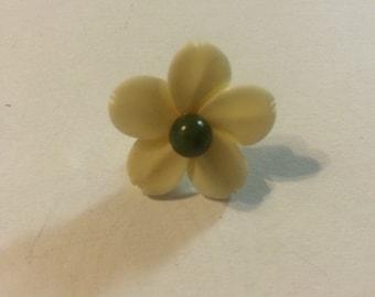 jade toe or lapel pin brooch 98