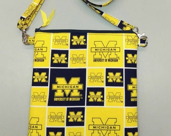 University of Michigan purse/ messenger bag/tablet case with adjustable strap