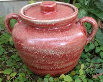 Stoneware,pottery, bean pot, stew pot, red, speckled, cook, food prep
