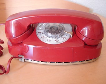 Princess Rotary Phone - AT&T-Western Electric - Color Red