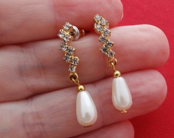 "Vintage 1"" gold tone rhinestone and pearl dangle earrings in great condition, appears unworn"
