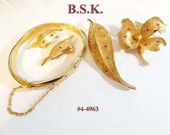 FREE SHIP BSK 4 Pieces - All Matching Two Brooches Bracelet Earrings (4-4963)