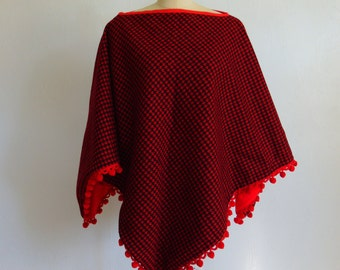 60s red hounds tooth PONCHO with pom pom trim size medium