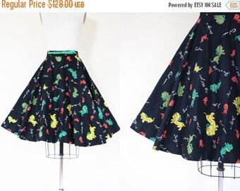 ON SALE 50s Skirt - Vintage 1950s Skirt - Rare Novelty Print Dachshund Puppy Dog and Slang Felt Circle Skirt M - Autograph Hound Skirt