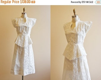 ON SALE 30s Dress - Vintage 1930s Wedding Dress - White Eyelet Cotton Novelty Bow Deco Garden Party Dress XS - Gamboling Cloud
