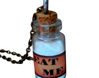 AlicE in WonDERrland NecklACe Glow in the dark necklace Eat Me bottle